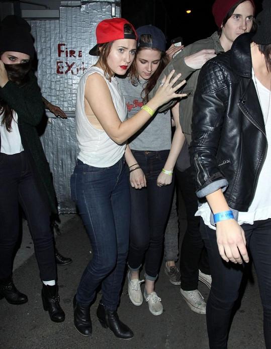 Kristen v poslední době řádí na divokých večírcích.