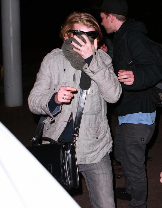 Macaulay Culkin po příjezdu do Londýna.