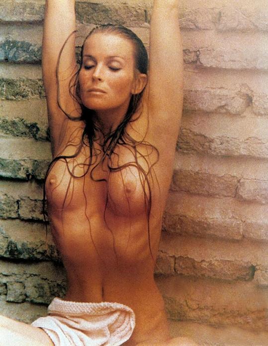 Americká kráska byla ve filmu pomalu víc nahá než oblečená.