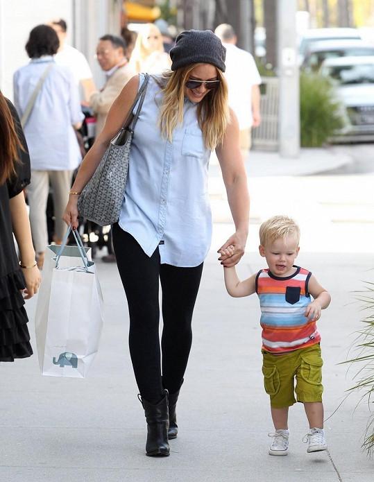 Hilary Duff se svým synem v Beverly Hills