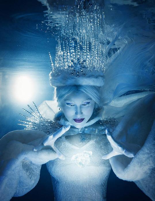 Svátková jako Ledová královna
