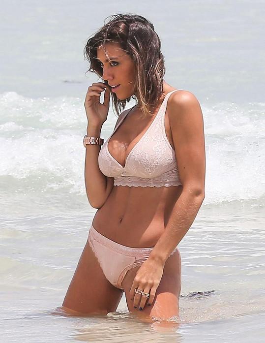 Frida Sofia Guzmán fotila v Miami.