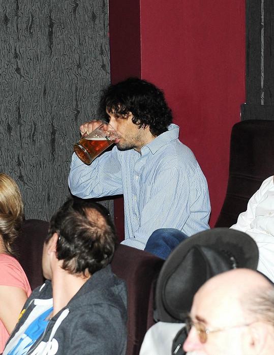 Pivo mu ale chutnalo.