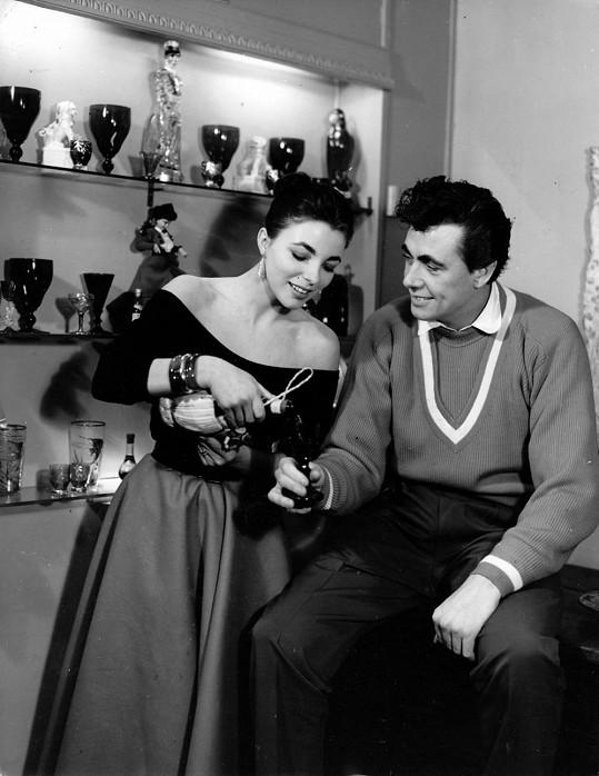 Joan Collins s Maxwellem Reedem