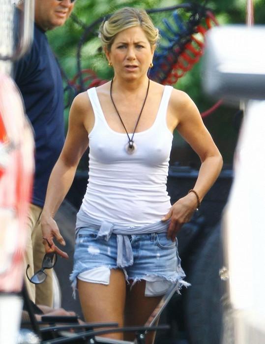 Jennifer Aniston ji nenosí...