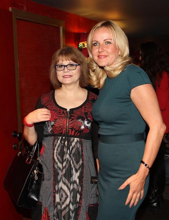 Ivana s prezidentkou nadace Kapka naděje Vendulou Svobodovou
