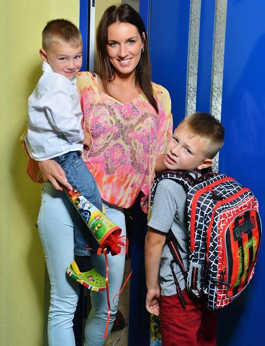 Miss ČR 2005 vedla svého syna poprvé do školy.