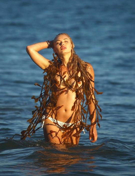 Daria Protsenko fotila na Malibu.