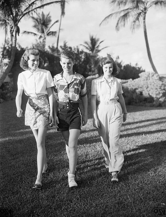 Mladičký Robert se sestrami Eunice a Jean