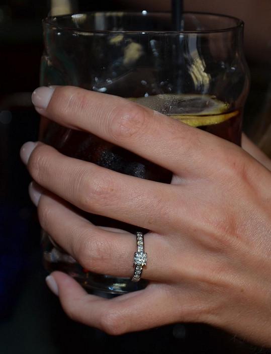 A takhle vypadá prstýnek v detailu.