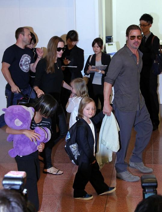 Slavný pár v Austrálii obývá honosnou vilu v Sydney i se všemi svými dětmi.
