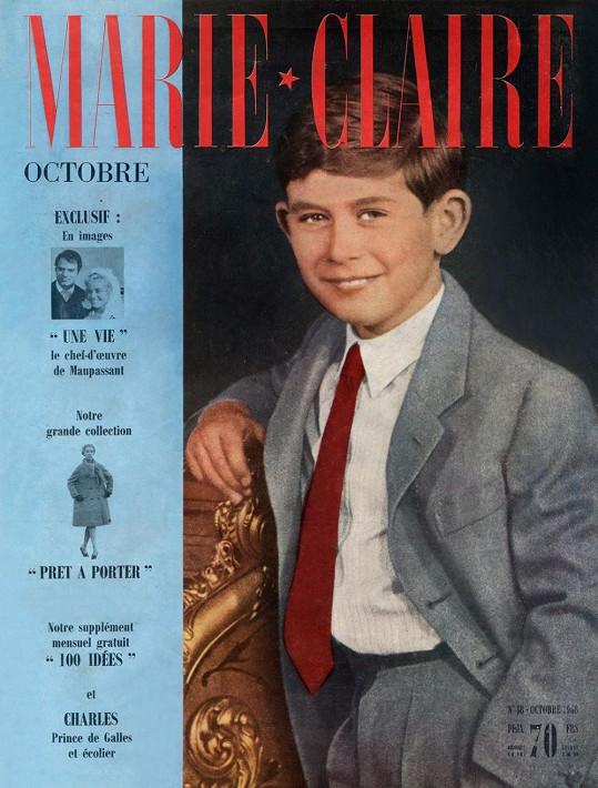 Princ Charles jako desetiletý chlapec na obálce.