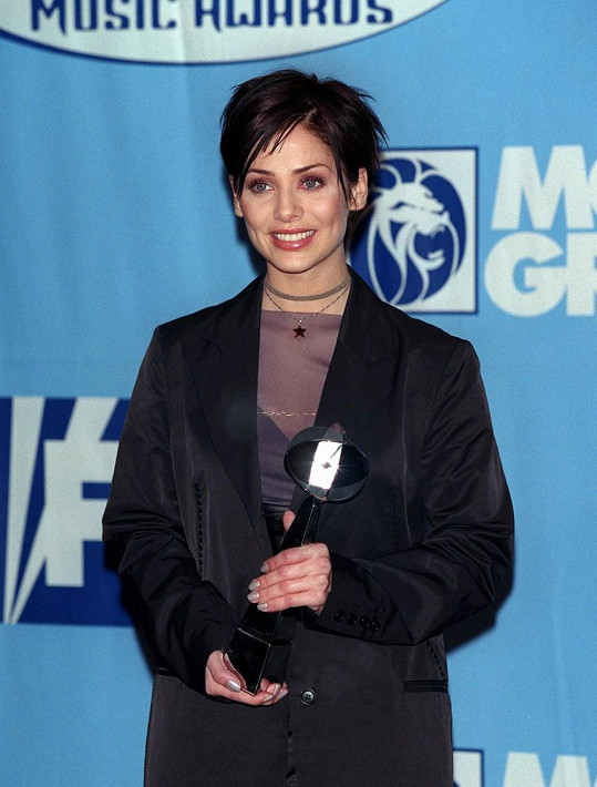 Natalie v době své největší slávy s hitem Torn.