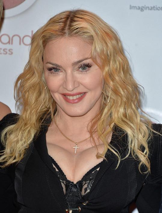 Madonna se stále ráda chlubí...