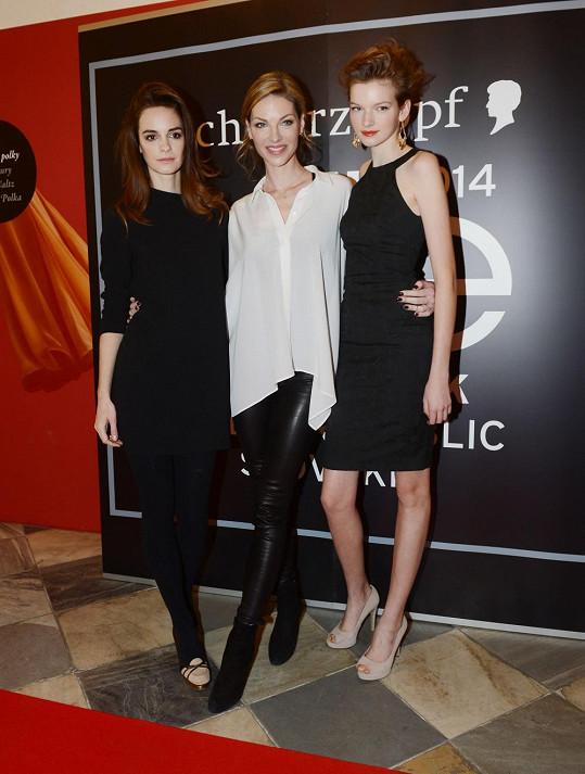 Pavlínu jsme zpovídali, když společně s kolegyněmi Kristinou Chrastekovou a Evou Klímkovou představovala novou řadu vlasové kosmetiky a další kolo modelingové soutěže Elite Model Look.