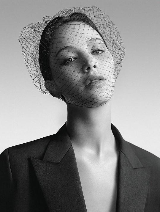 Jennifer v kampani značky Dior.
