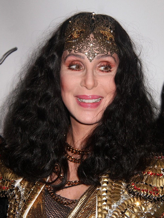 Cher se už hezkých pár let vůbec nemění.