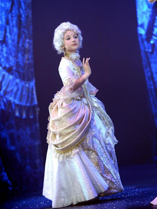 Malá Grossová v roli princezny Marie Terezie Bourbonské