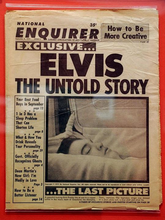 Titulní strana bulváru National Enquirer s mrtvým Elvisem Presleym