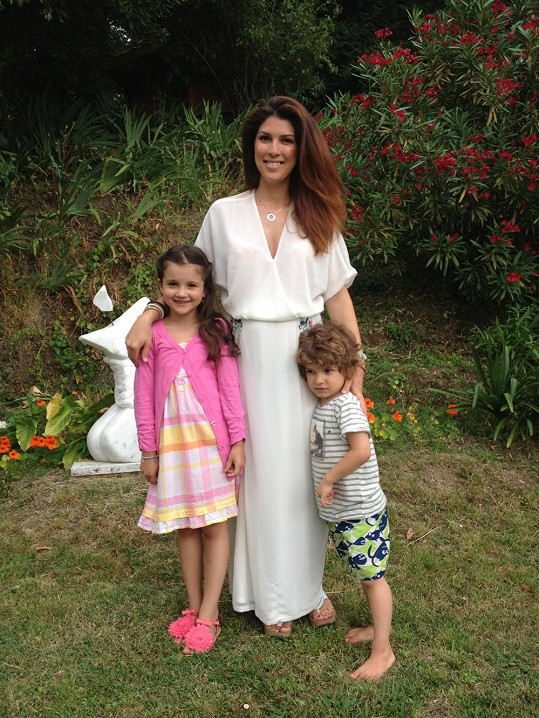 Victoria vyrazila se čtyřmi kamarádkami a jejich dětmi na dovolenou do italských vinic.