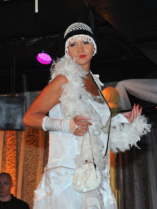 Miluška je v padesáti nejstarší českou striptérkou.