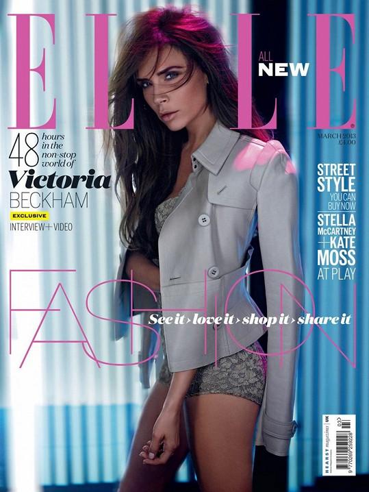 Victoria vypadá na nových fotkách jako holčička.