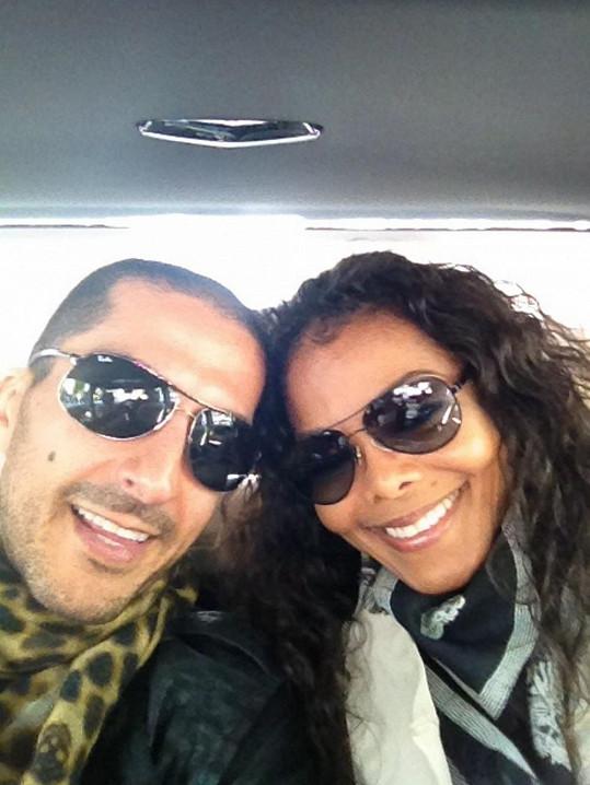 Janet a Wissam se budou brát.