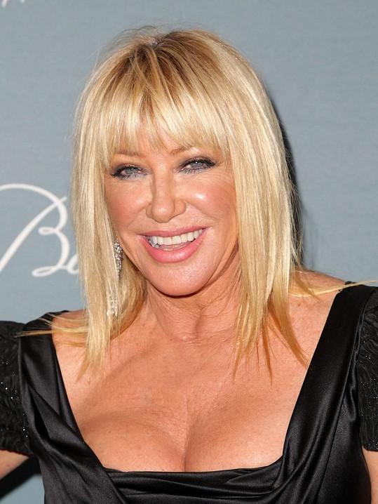 Suzanne Somers je atraktivní i v 67 letech.