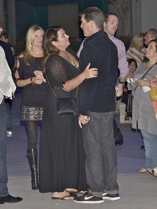 Keely Shaye Smith s manželem Piercem Brosnanem.