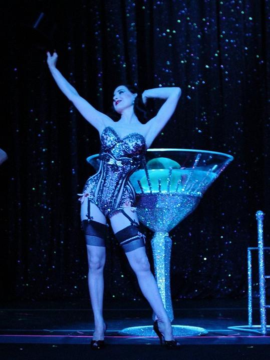 Tanečnice dokáže přivést publikum do varu.