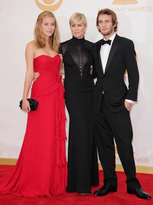 Dylan Penn s matkou a bratrem