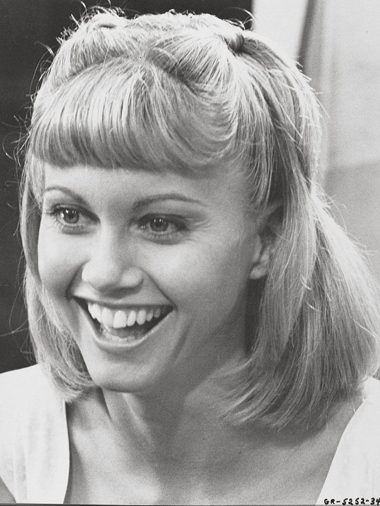 Olivia jako Sandy z Pomády