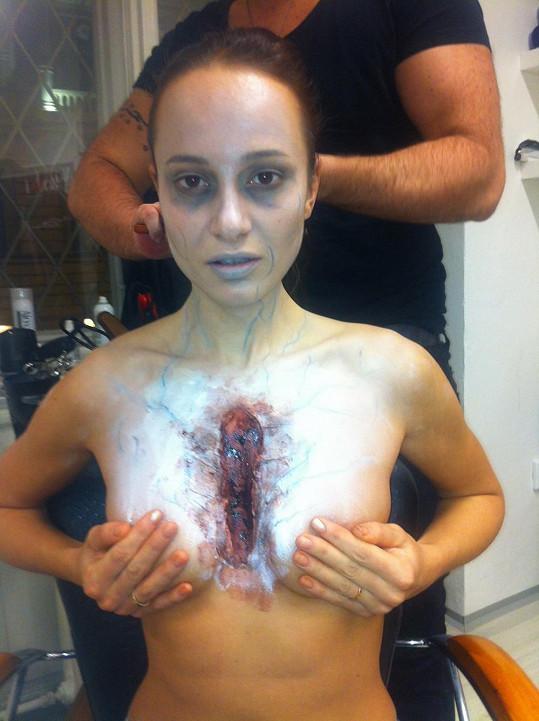 Zpěvačka během příprav děsila samu sebe.