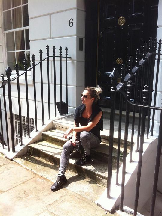 Zpěvačka hudebního dua Verona trávila letošní dovolenou v Londýně.