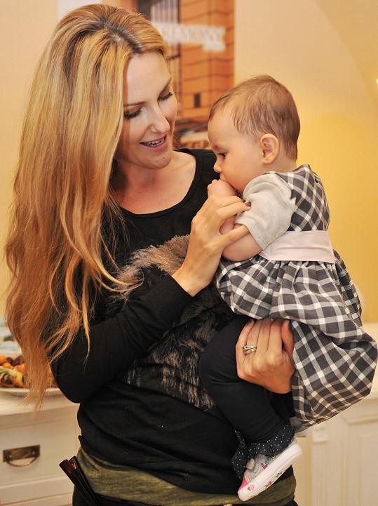 Zuzana Rosáková s rozkošnou dcerou Lili