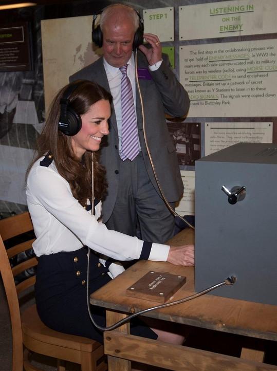 Catherine si mohla vyzkoušet v Bletchley Parku i šifrovací zařízení.