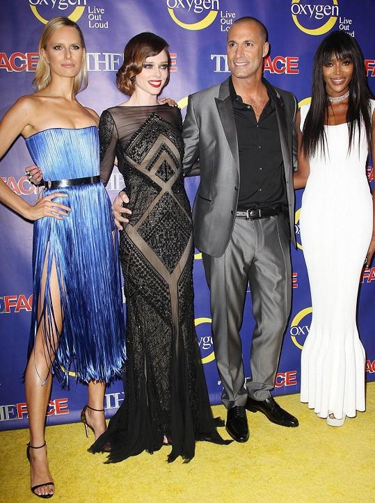 Zleva: Karolína Kurková, Coco Rocha, Nigel Barker a Naomi Campbell.