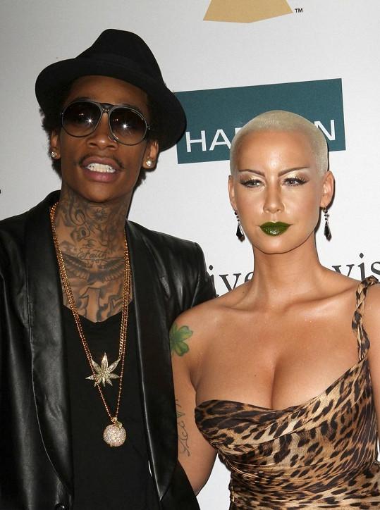 Modelka a rapper se vzali.