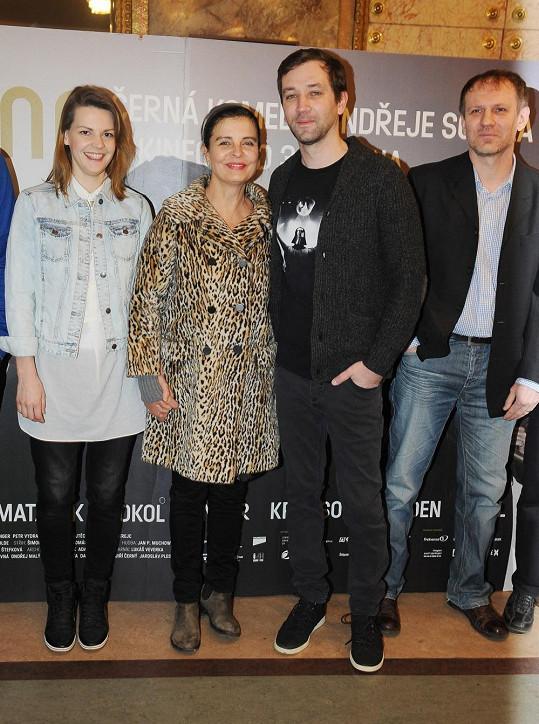 Čtyři hlavní představitelé filmu Krásno - Zuzana Stavná, Jana Krausová, Ondřej Sokol a Martin Finger.