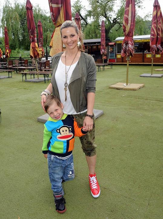 Monika Marešová s mladším synem