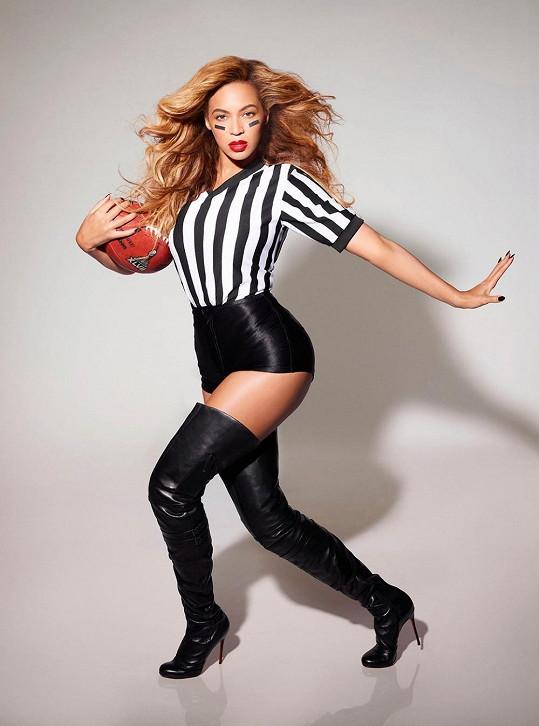 Beyoncé jako hlavní pěvecká hvězda letošního Super Bowlu.