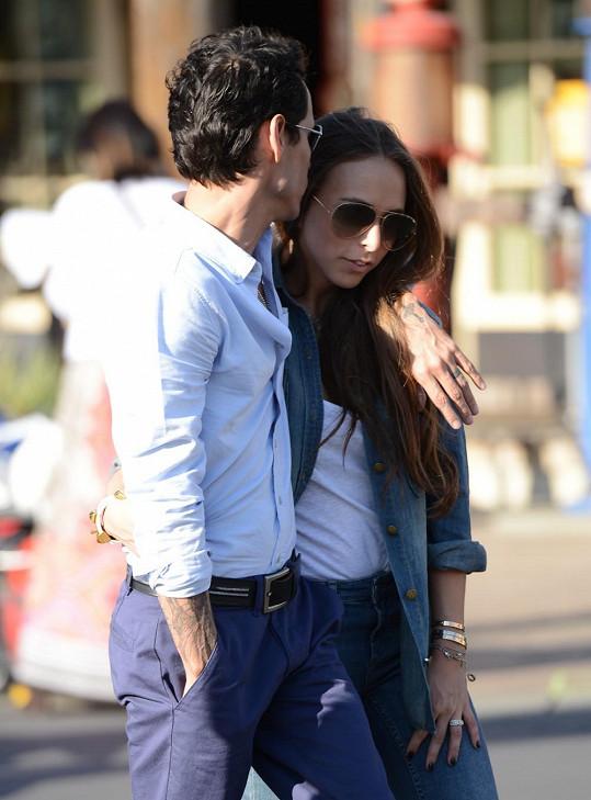 Exmanžel J-Lo se sympatickou brunetkou.