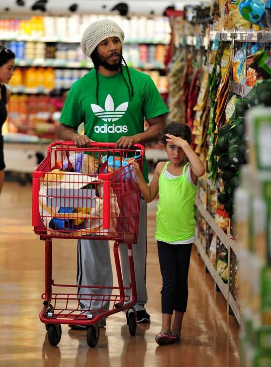 Syn slavného hudebníka byl spatřen na nákupech v LA.