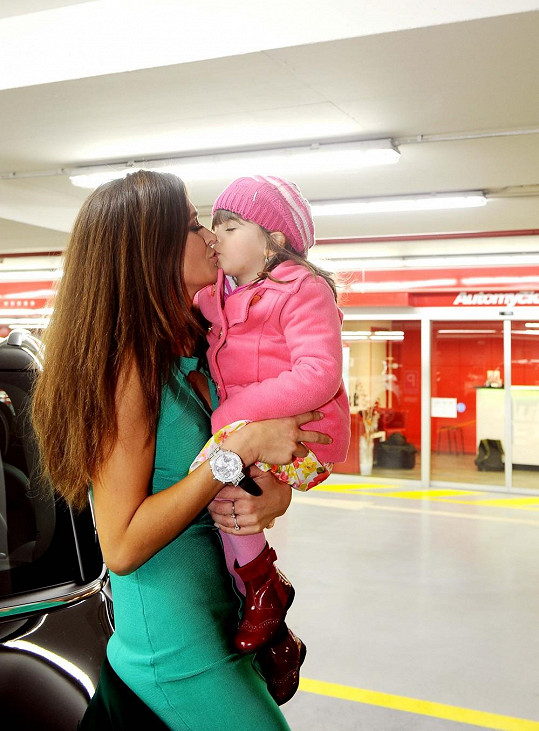 Petra Faltýnová s tříletou dcerou Adrianou.