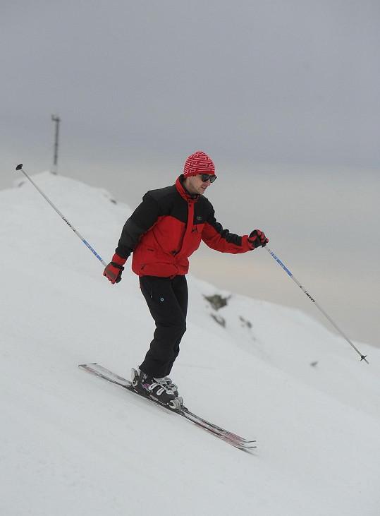Stihl ale i lyžování.