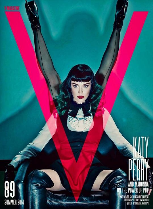 Katy Perry zvládla roli svůdnice podstatně lépe.