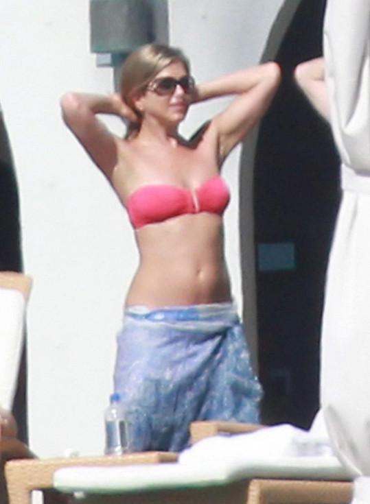 Jennifer má stále tělo jako dvacítka.