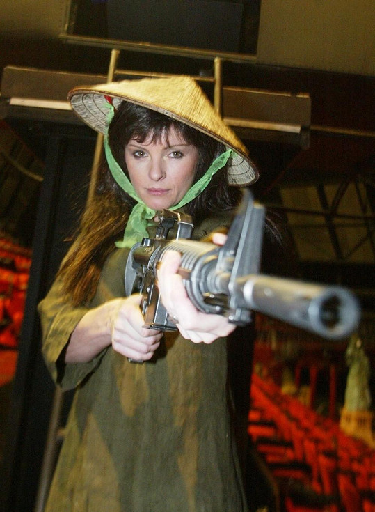 Iveta jako Kim v muzikálu Miss Saigon.