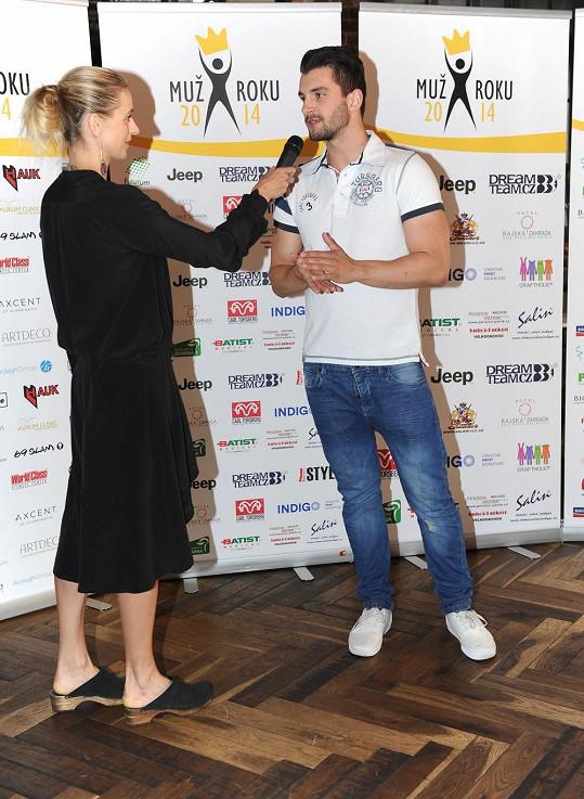Při rozhovoru s jedním z finalistů