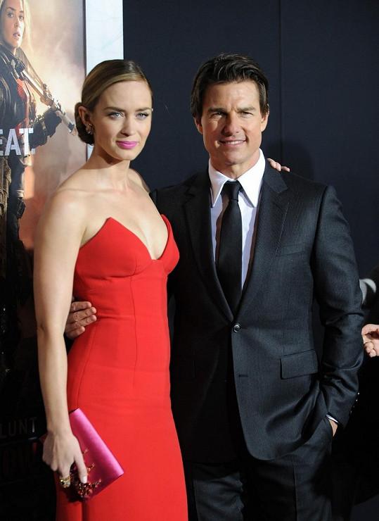 Emily Blunt s Tomem Cruisem na premiéře filmu Na hraně zítřka